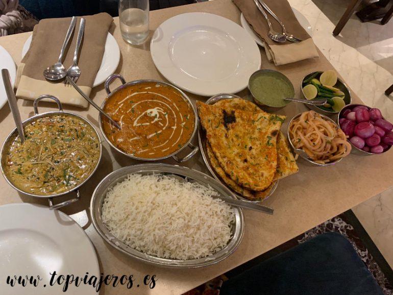 Have More Restaurant comida típica hindú (Nueva Delhi)