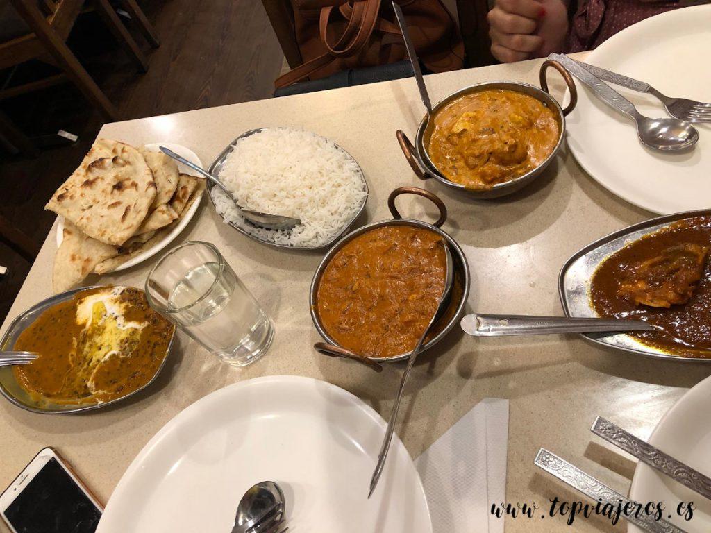 Hot Chimney Restaurant comida típica Hindú (Delhi)