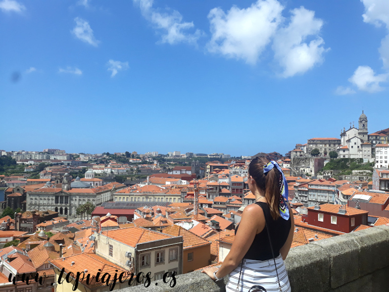 Vistas catedral de Oporto