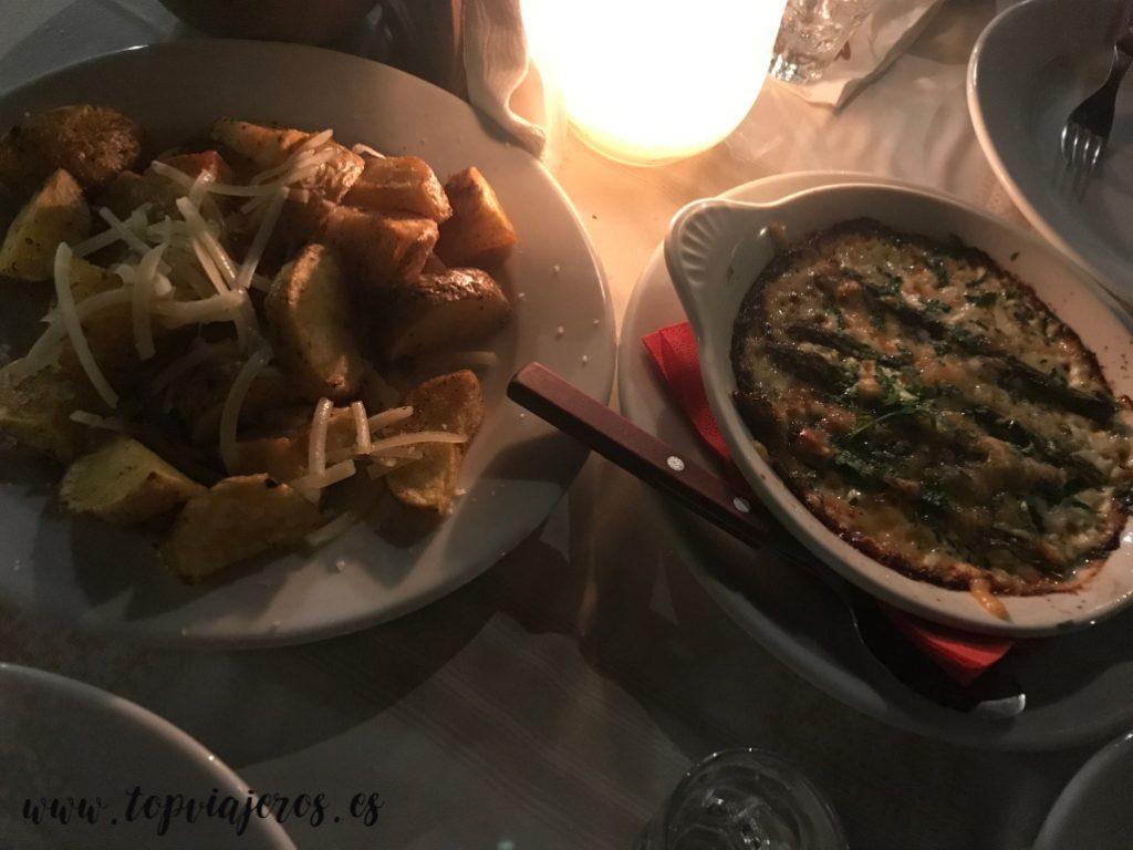 Restaurante Metaxi Mas comida típica griega