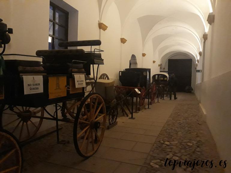 Exposición de carros de época Monasterio de Piedra