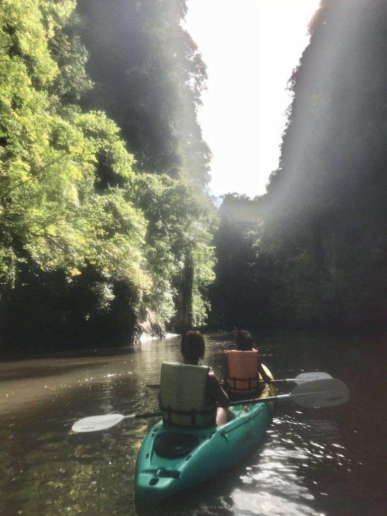 Kayaking Río Ao Thalane
