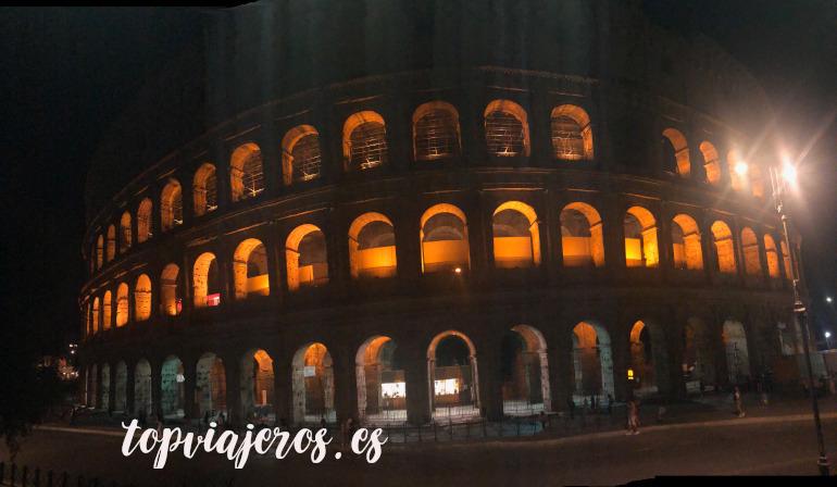 Coliseo noche Roma