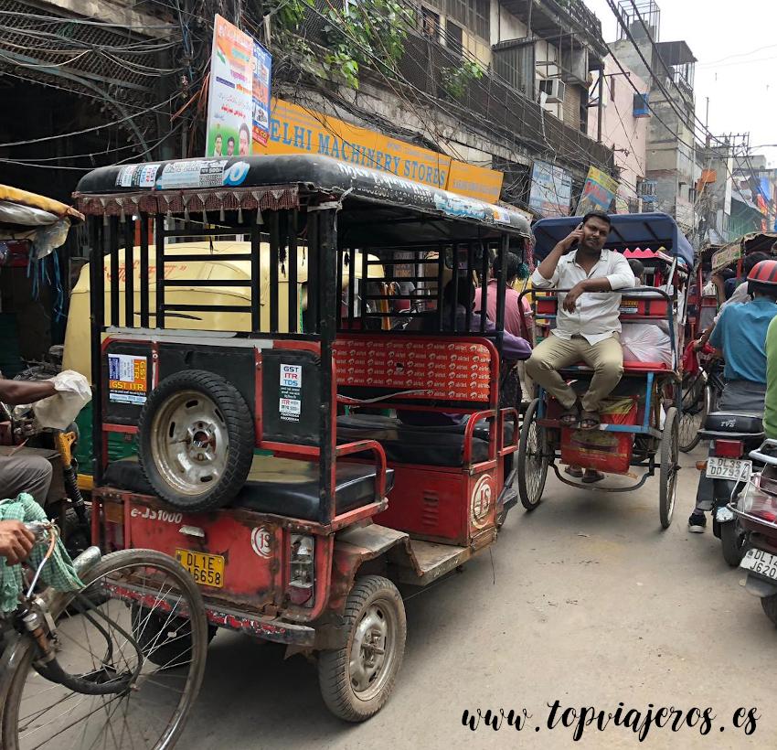 Trafico en Old Delhi
